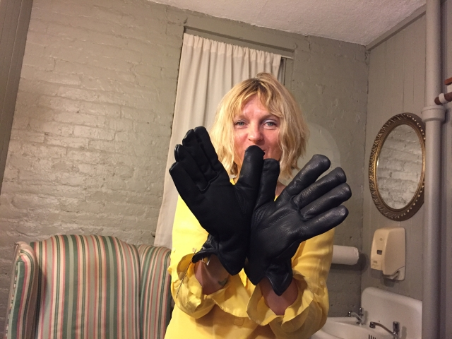 D & gloves
